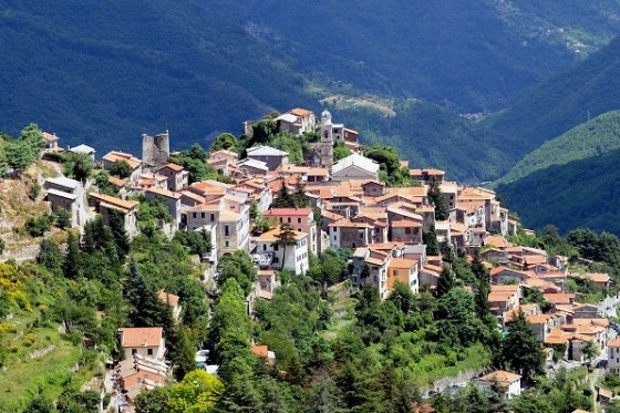 LIGURIA: HISTORIC VILLAGES